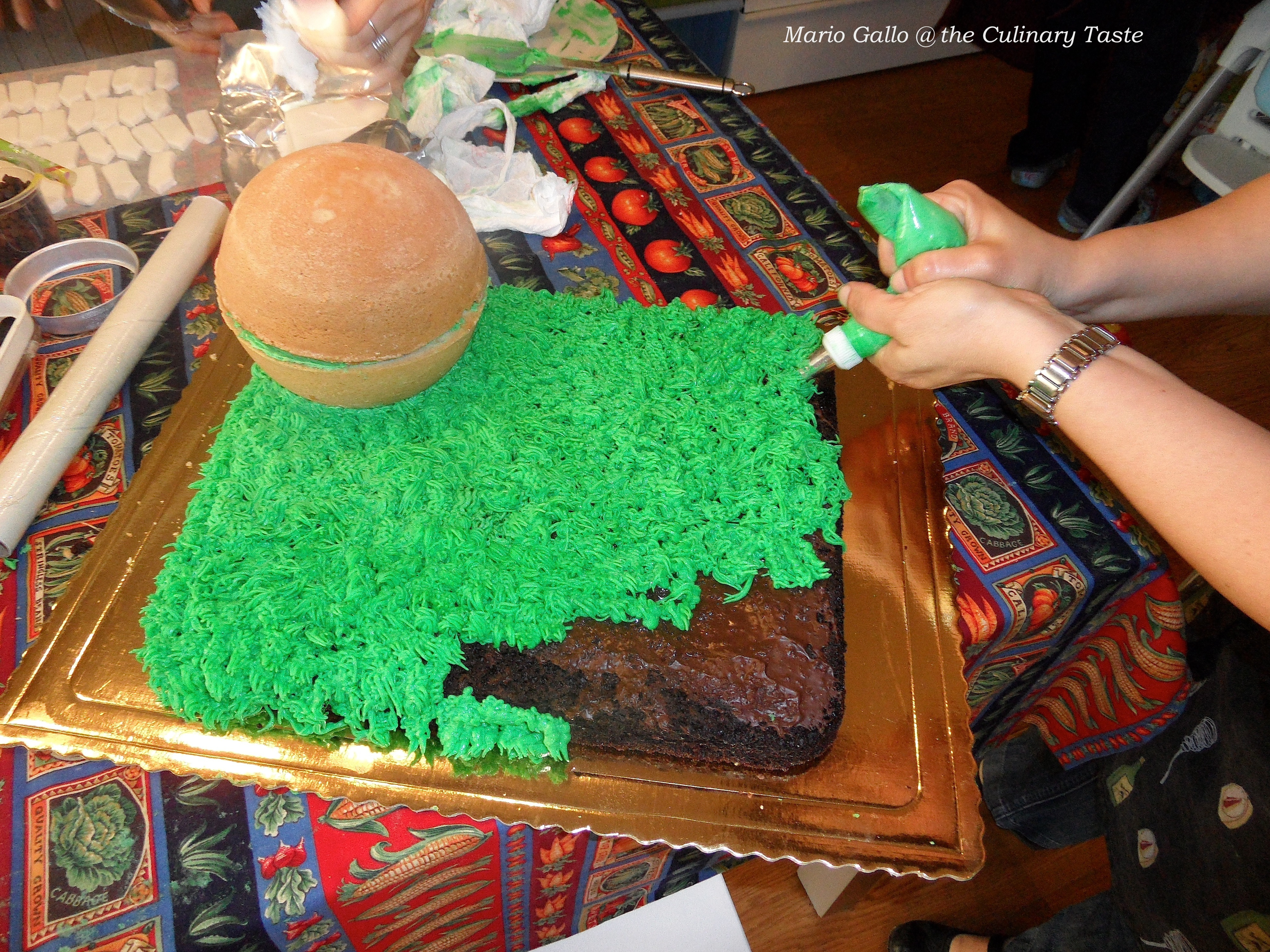 Cake Design Prato : The Chick in the Mead: an Over-in-the-Meadow Birthday Cake ...